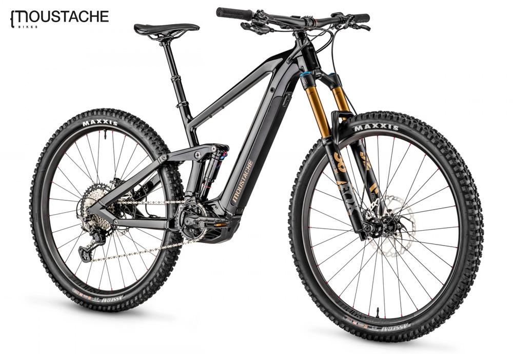 Una mountain bike elettrica biammortizzata Moustache Samedi 29 Game 10 gamma 2020