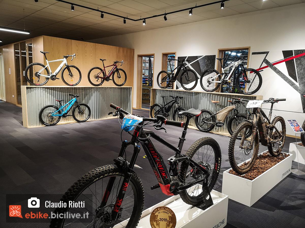 Showroom di Moustache Bikes con i modelli 2020 di bici elettriche