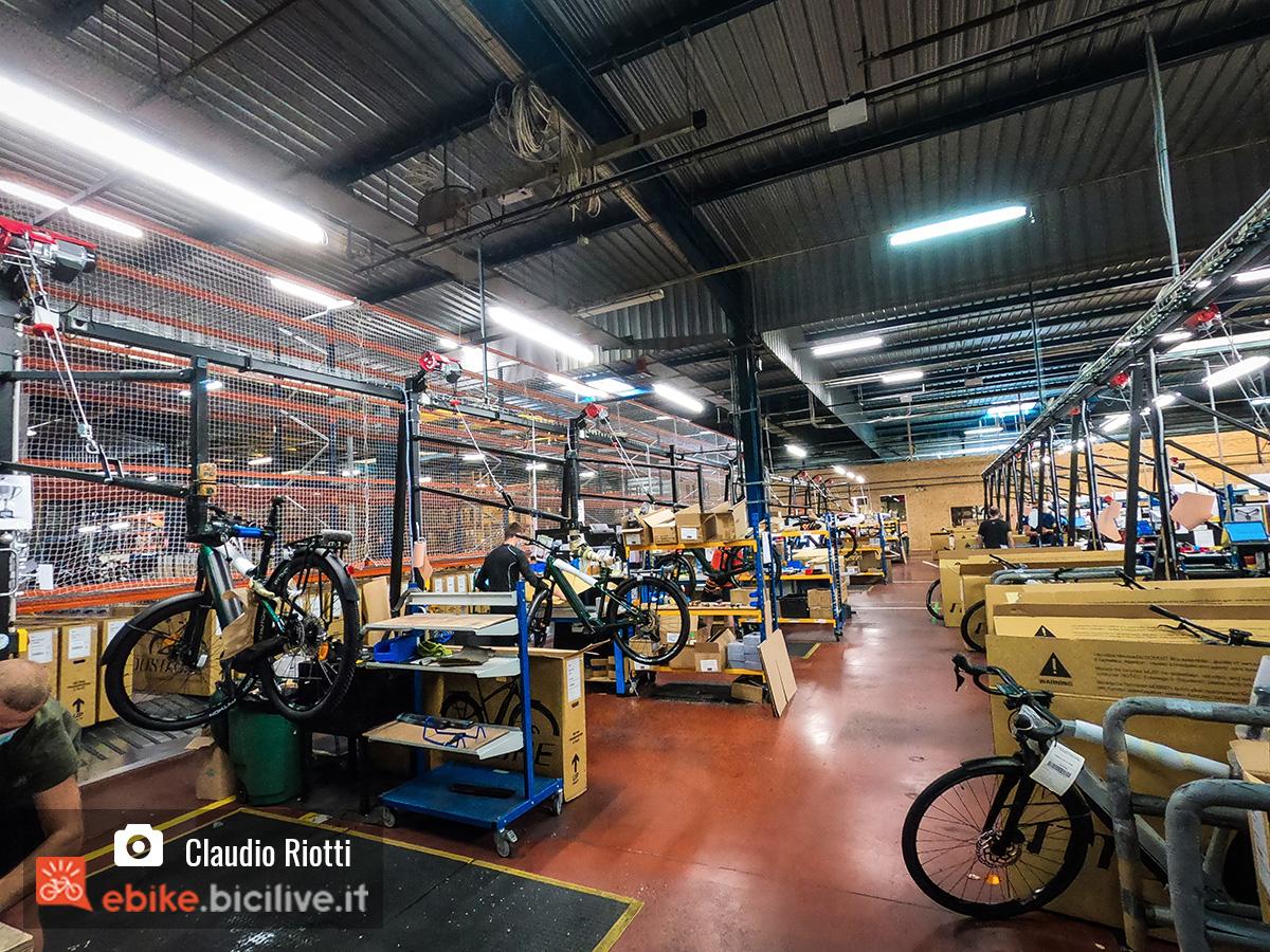 Magazzino di Moustache Bikes dove  vengono montate e spedite le ebike