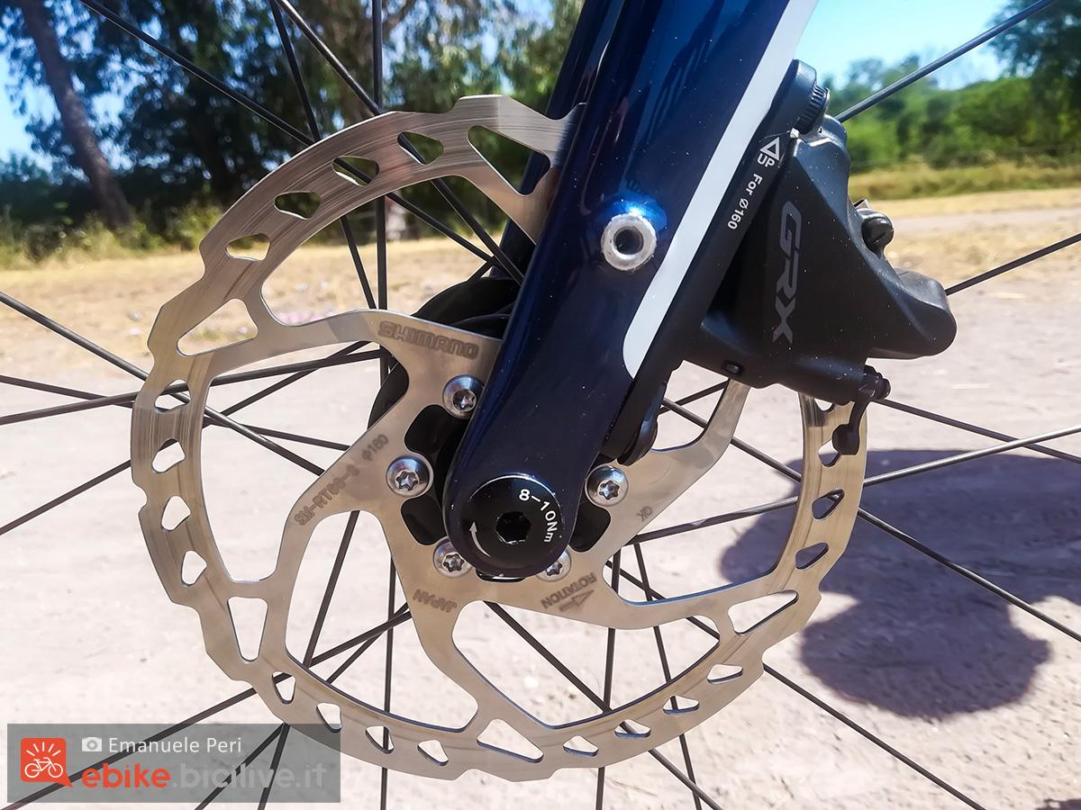 Dettaglio del freno a disco idraulico della e-bike Wilier Triestina Jena Hybrid 2020 da gravel