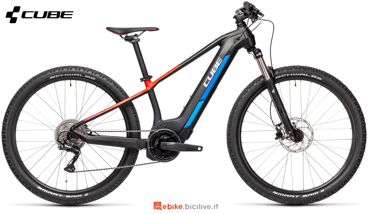 Una mountain bike elettrica da bambino Cube Reaction Hybrid Rookie SL