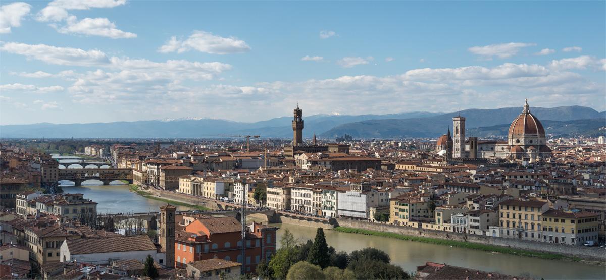 Vista panoramica di Firenze con Ponte Vecchio e Cattedrale