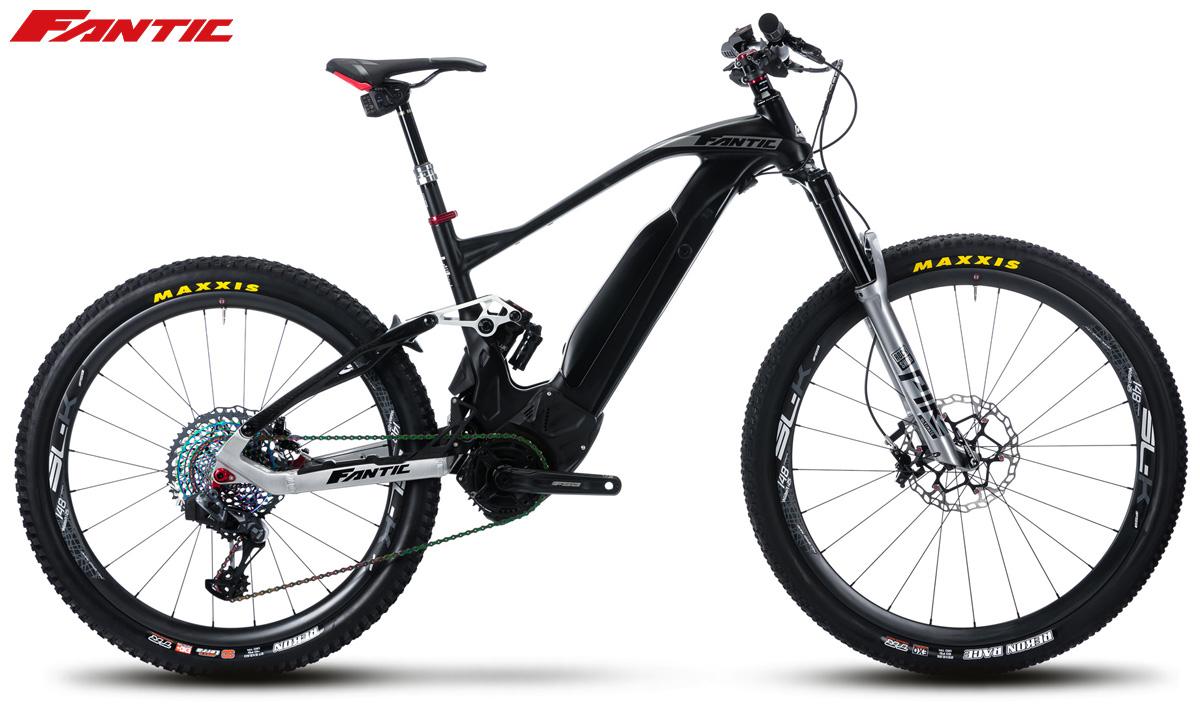 Una mtb elettrica a pedalata assistita Fantic XF1 Carbon