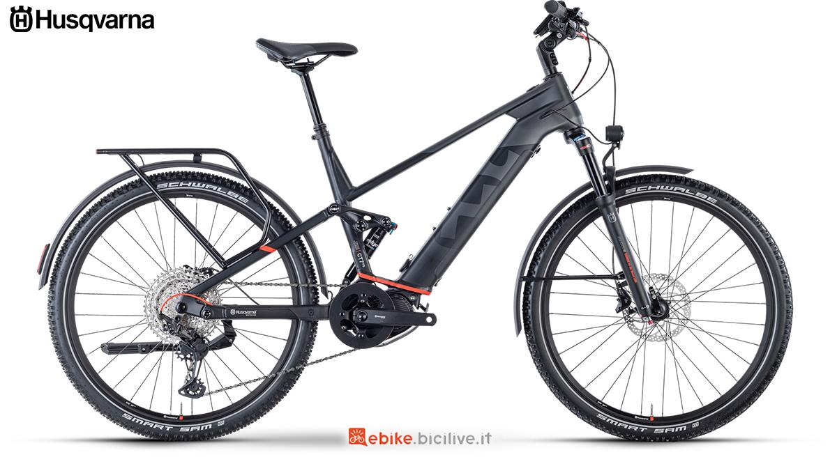 La nuova ebike da trekking 2021 Husqvarna Cross Tourer 7-FS