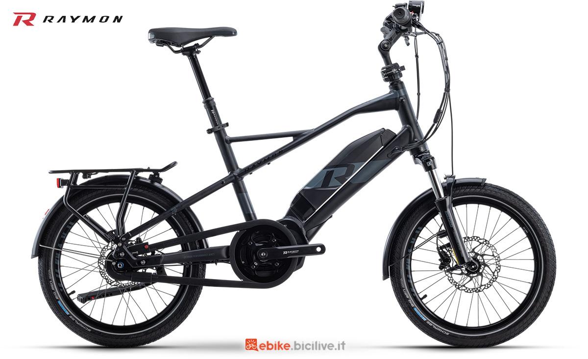 La nuova city bike elettrica R Raymon CompactRay E 4.0 della gamma 2021