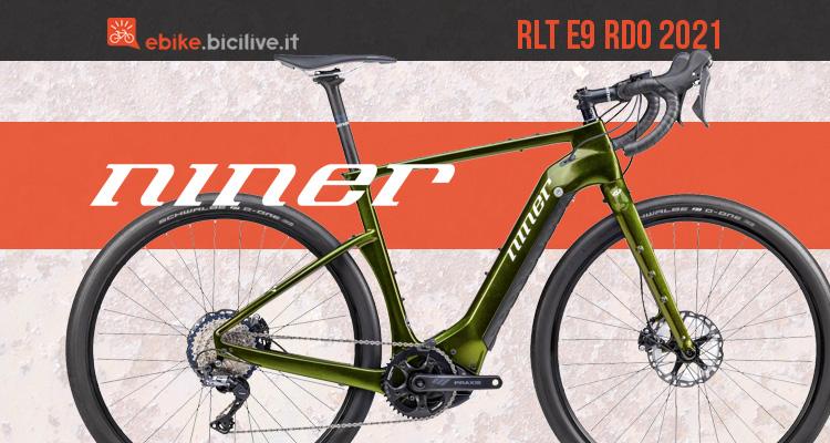 Una bicicletta gravel elettrica Niner RLT e9 RDO