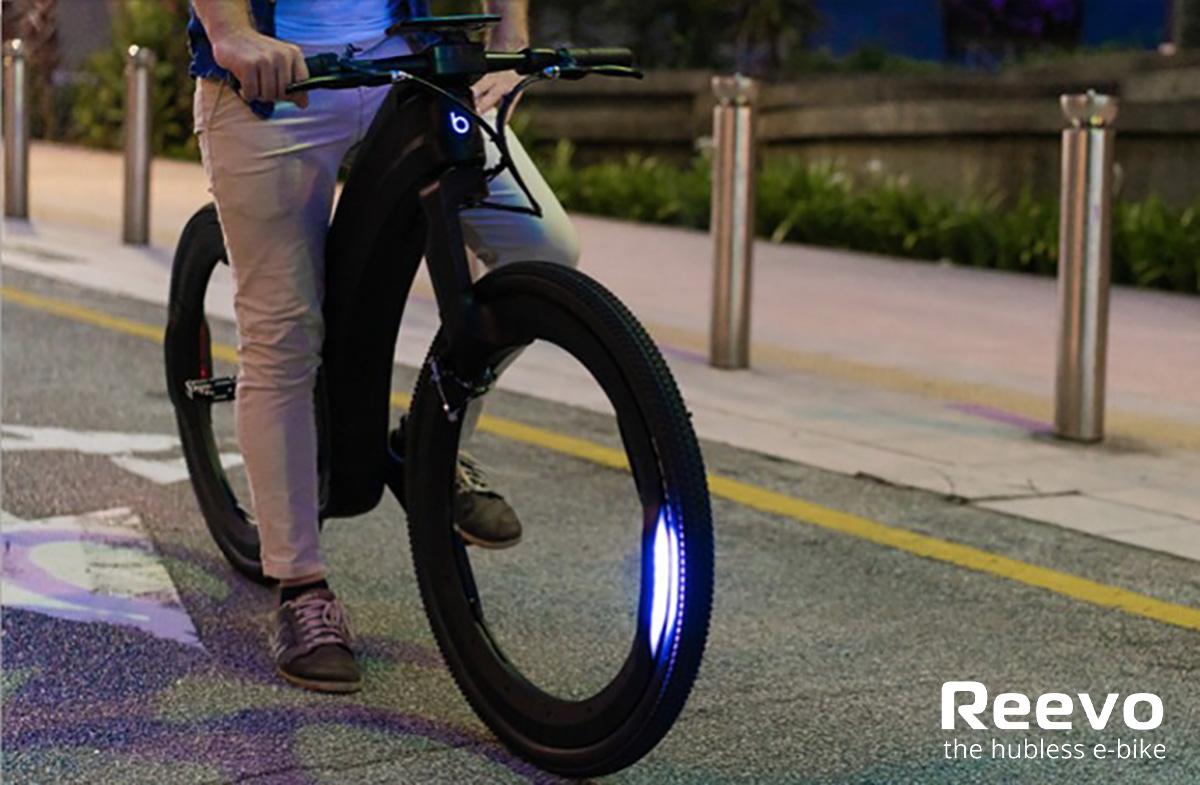 Il dettaglio delle luci montate sull'innovativa ebike Reevo