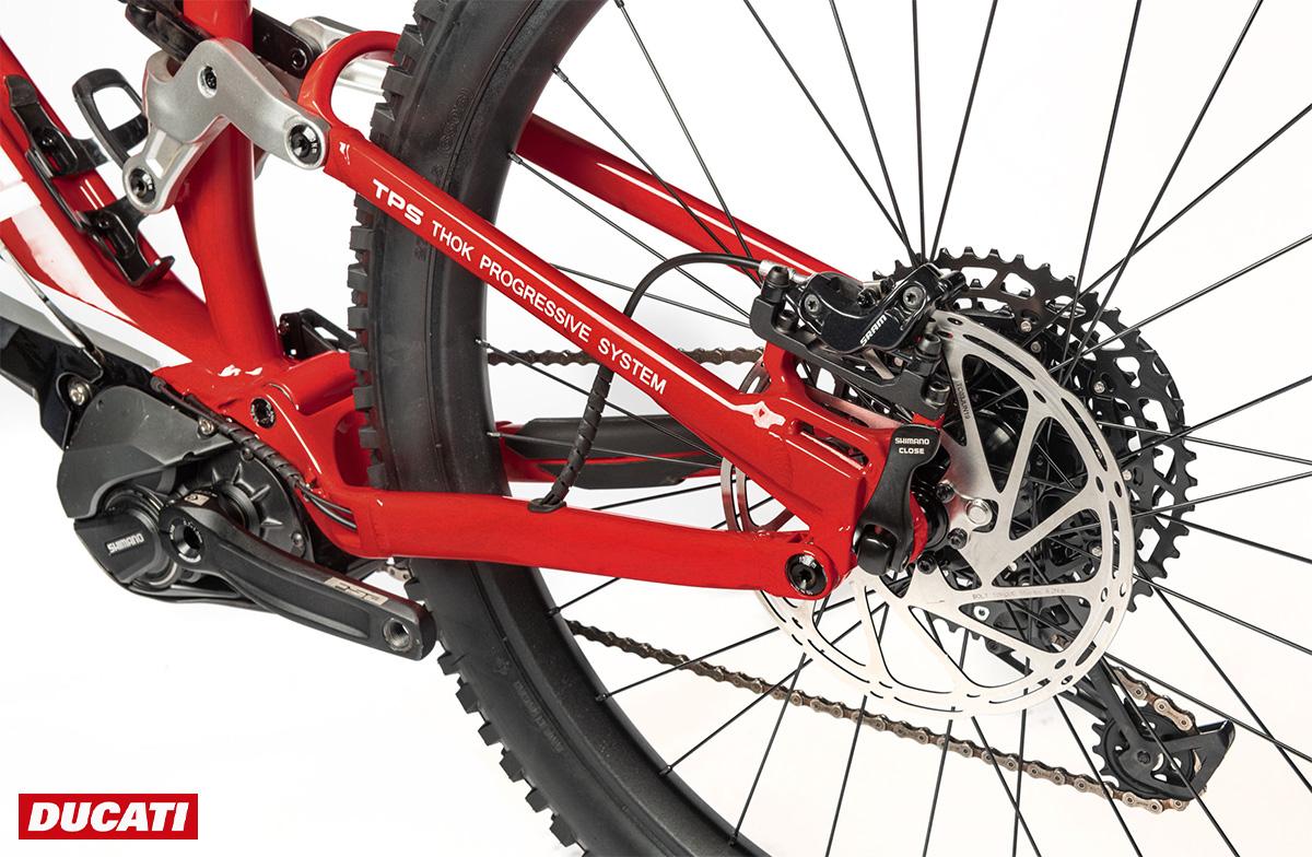Dettaglio dei freni a disco montati sulla nuova e-mtb Ducati Mig-S 2021