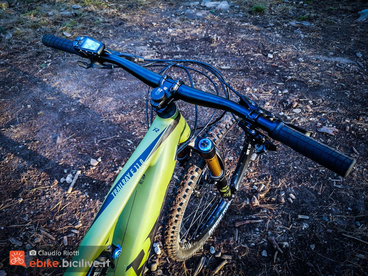 Foto dlel manubrio della mountain bike elettrica Trailray E 11.0