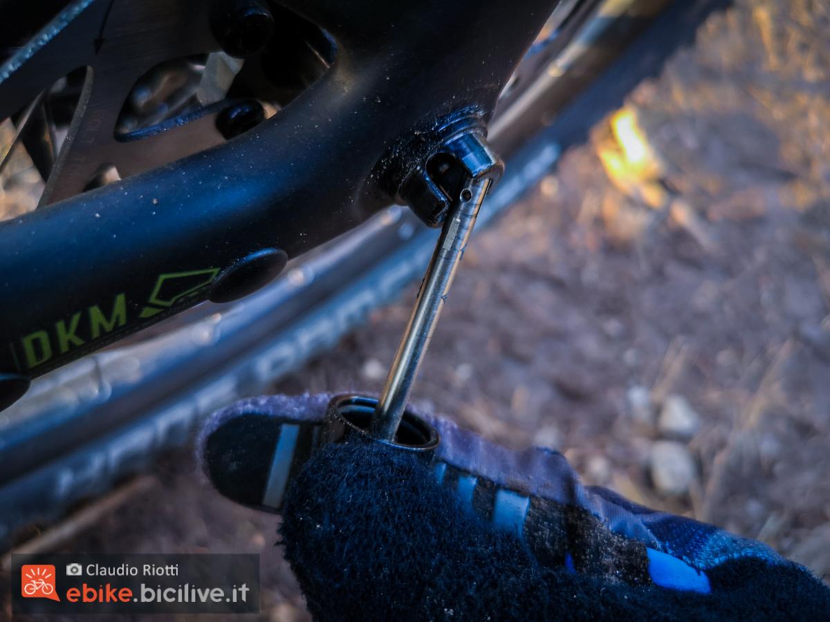 Foto del perno posteriore della emtb Trailray 2021 di Raymon