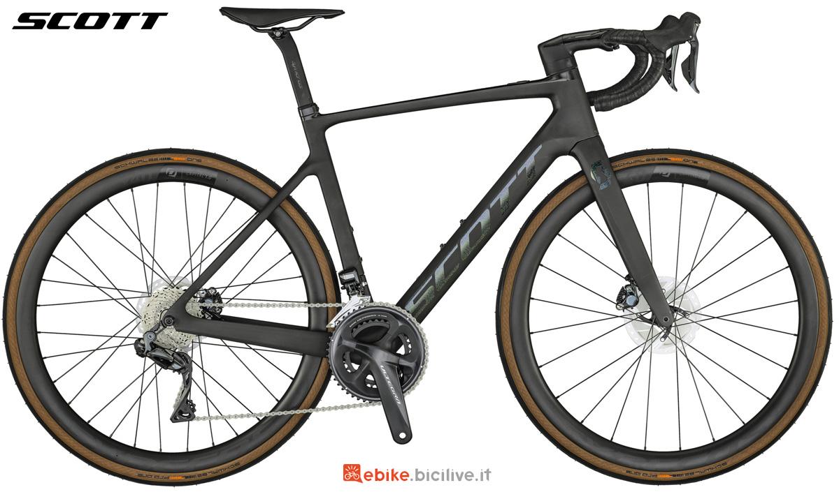 Una e-Road a pedalata assistita Scott Addict eRide 10 gamma 2021