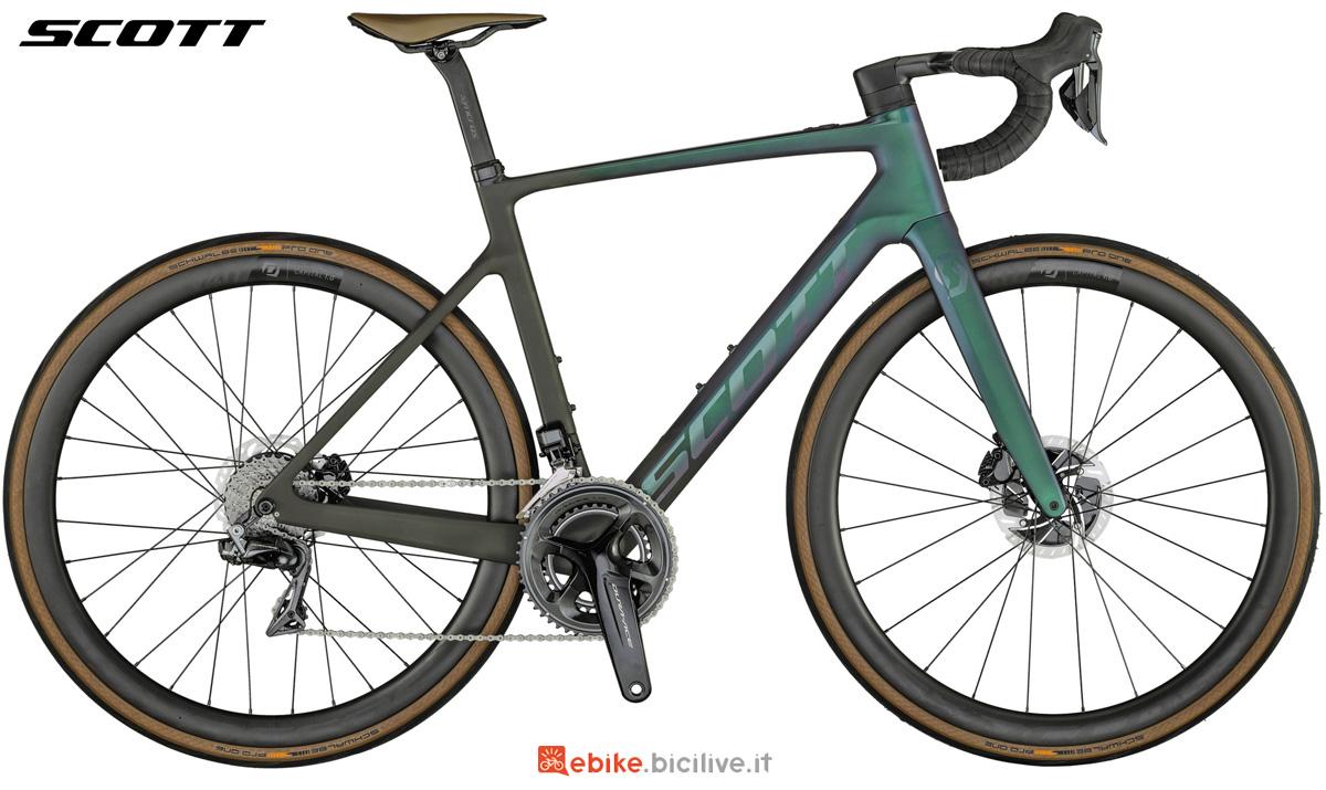 Una bici da strada elettrica Scott Addict eRide Premium 2021