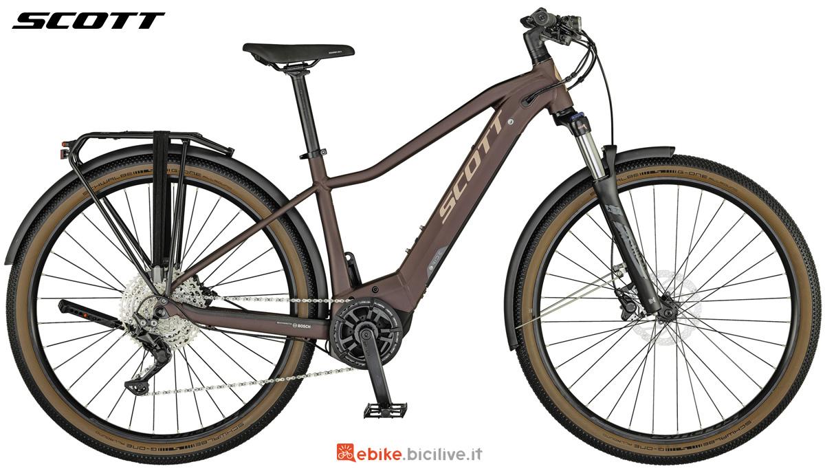 Una e-bike da trekking e città Scott Axis eRide 20 LADY da donna
