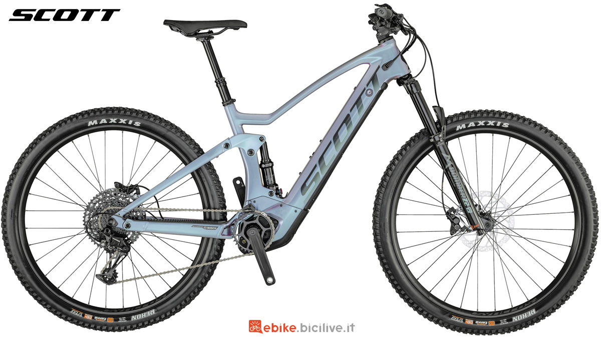 Una e-bike biammortizzata Scott Strike eRide 900