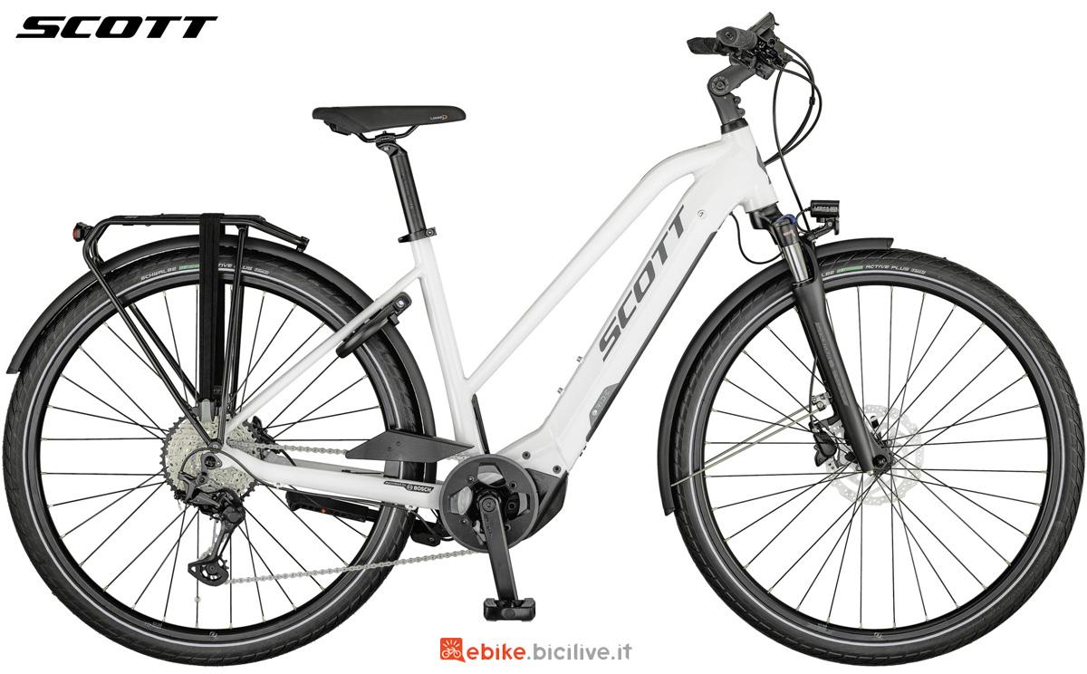 Una bicicletta a pedalata assistita da donna Scott Sub Sport eRide 10 LADY