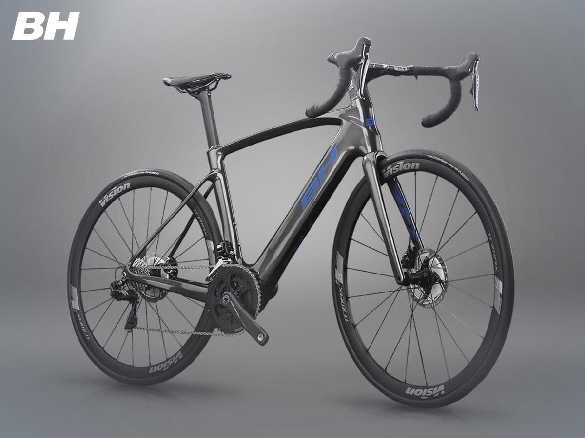 Una bici elettrica da strada della linea BH Core Carbon 2021