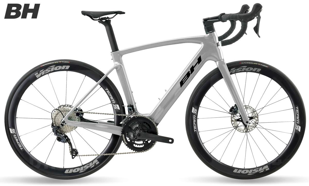 Una bici elettrica da strada BH Core Race Carbon 1.6 collezione 2021