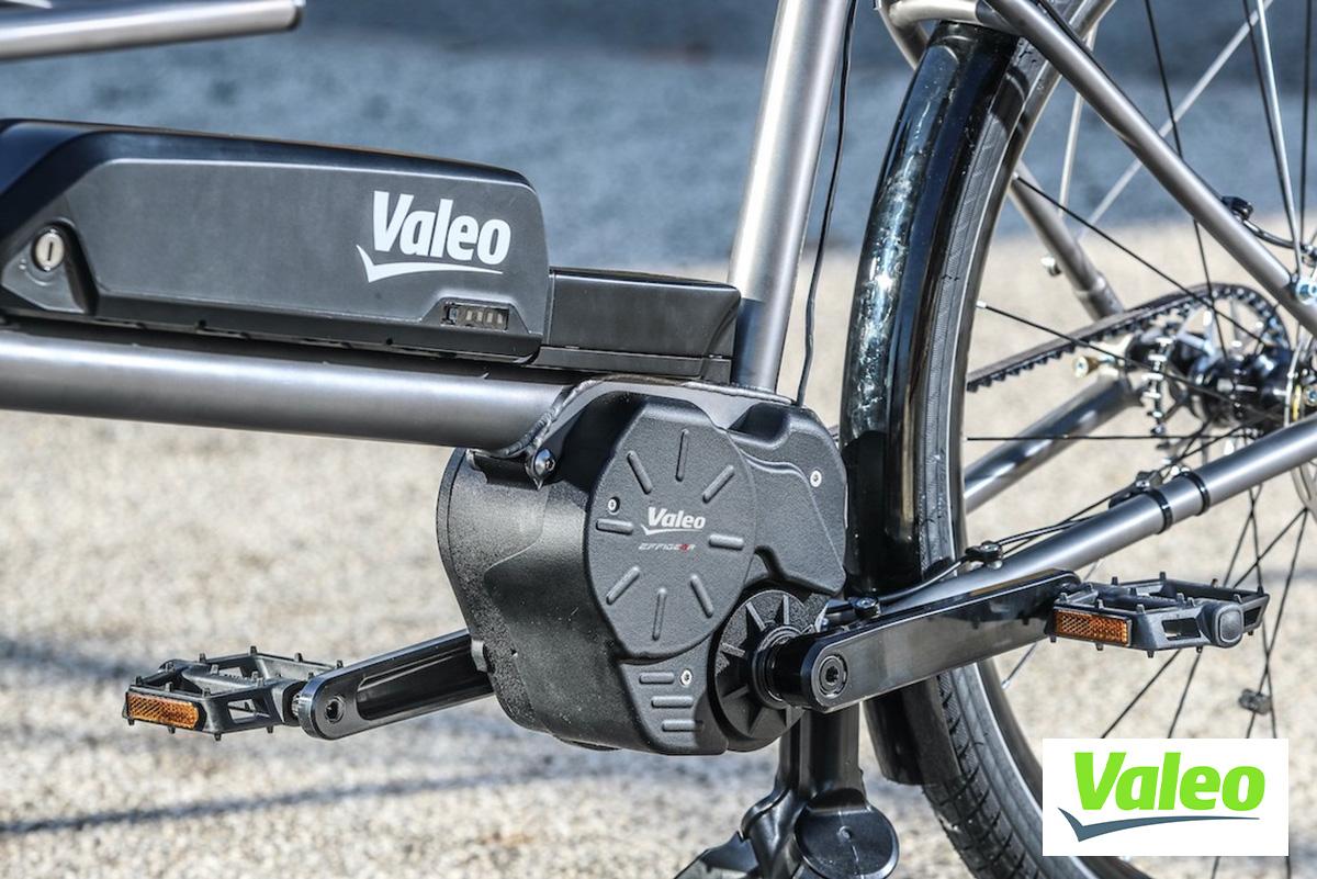 Dettaglio del Valeo Smart e-Bike System e di una batteria montati su una eBike cargo
