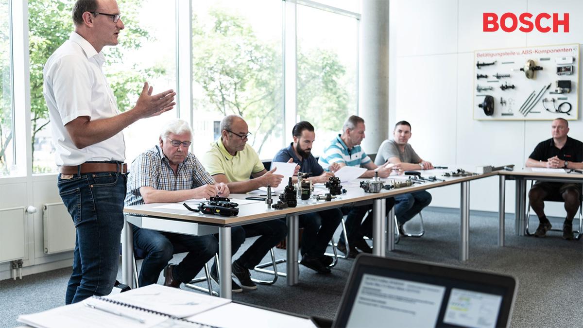 Un corso di formazione per i gestori di punti vendita ebike motorizzati bosch