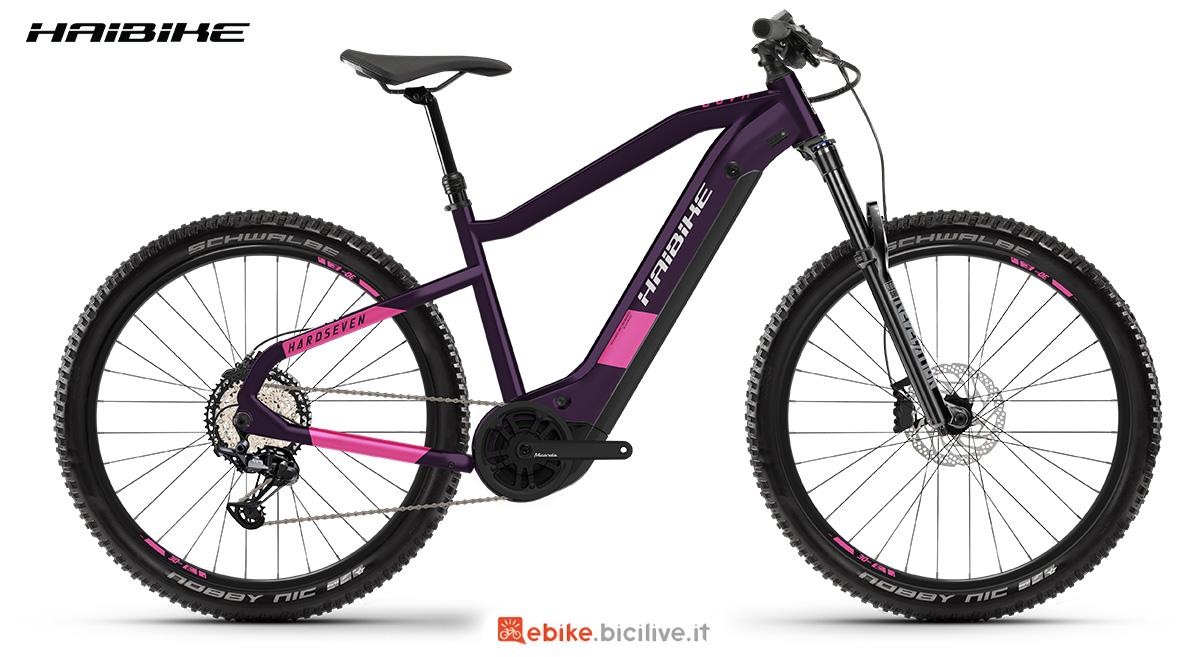 La nuova mountainbike elettrica hardtail Haibike Hardseven 8 2021 vista lateralmente