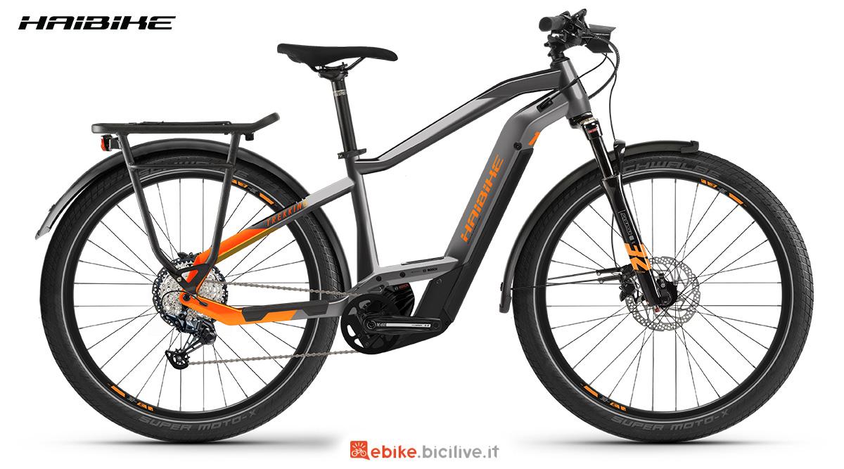 La nuova bici elettrica Haibike Trekking 10 2021 vista lateralmente