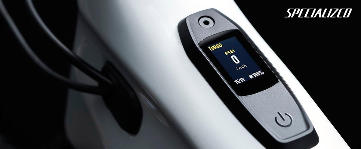 Dettaglio del nuovo display mastermind integrato nel telaio delle nuove Emtb Specialized Turbo Levo 2022