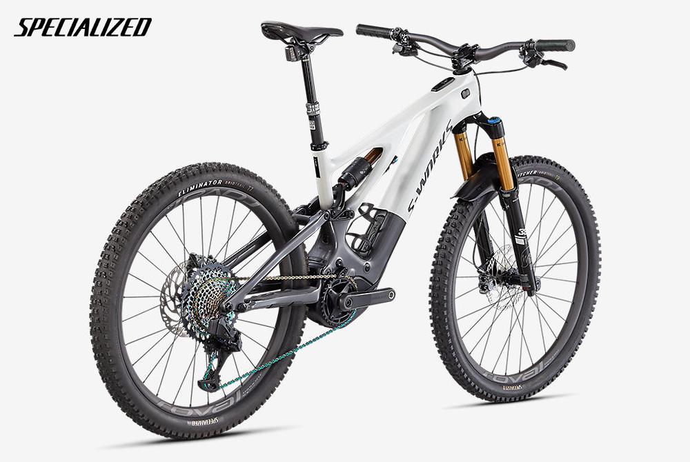 Una mountain bike elettrica a pedalata assistita Specialized Turbo Levo S-Works 2022