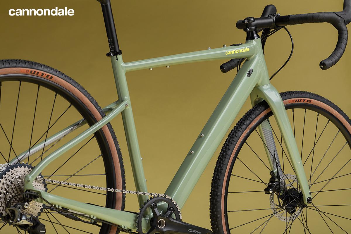 Le Cannondale Topstone Neo SL 1 in colorazione Agave