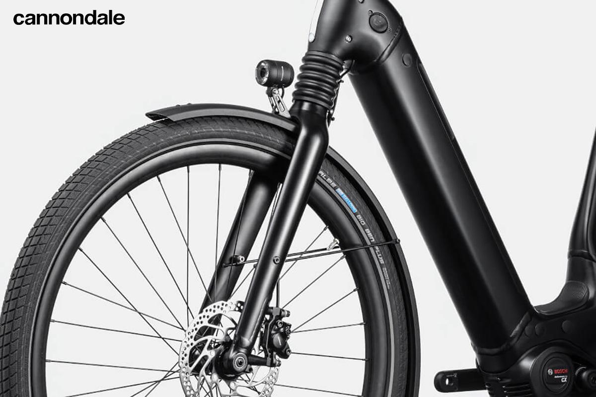 Dettaglio di una forcella Headshok montata su alcuni modelli di ebike urban Cannondale 2021