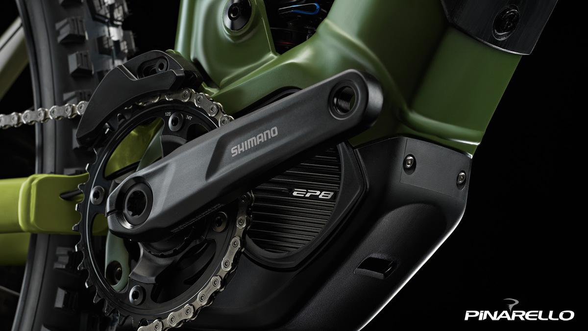 Motore centrale Shimano EP8 equipaggiato sulla e-MTB biammortizzata Pinarello Dust 3 2021