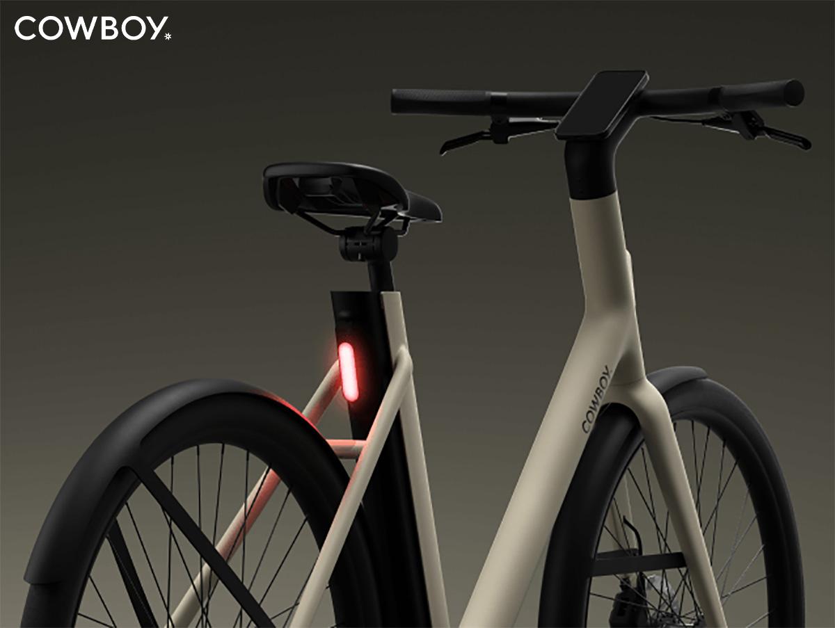 Dettaglio della batteria rimovibile della nuova bici elettrica da città Cowboy C4 2022