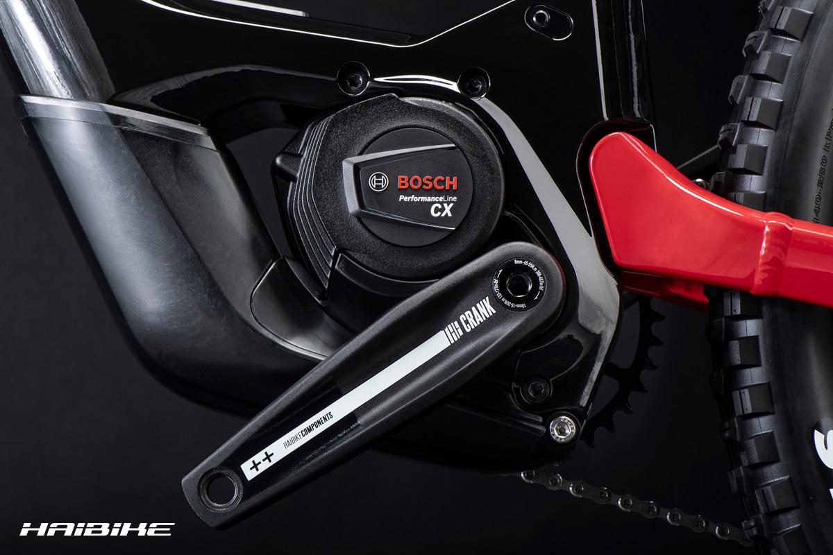 Dettaglio del motore Bosch montato sulla nuova emtb Haibike Allmtn 2022