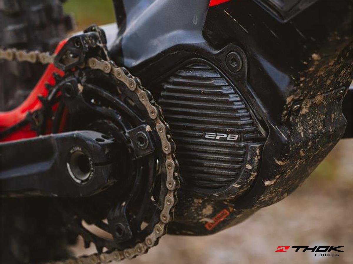 Dettaglio del motore elettrico Shimano EP8 montato sulla nuova emtb Thok Mig-R 2022