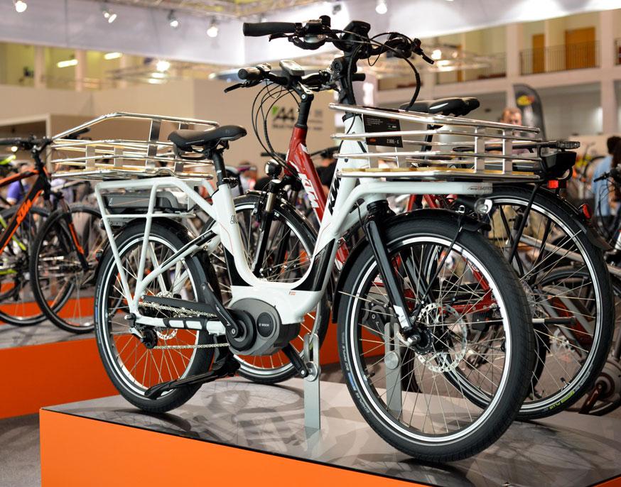 Una foto della bicicletta urbana a pedalata assistita E-Shopper KTM