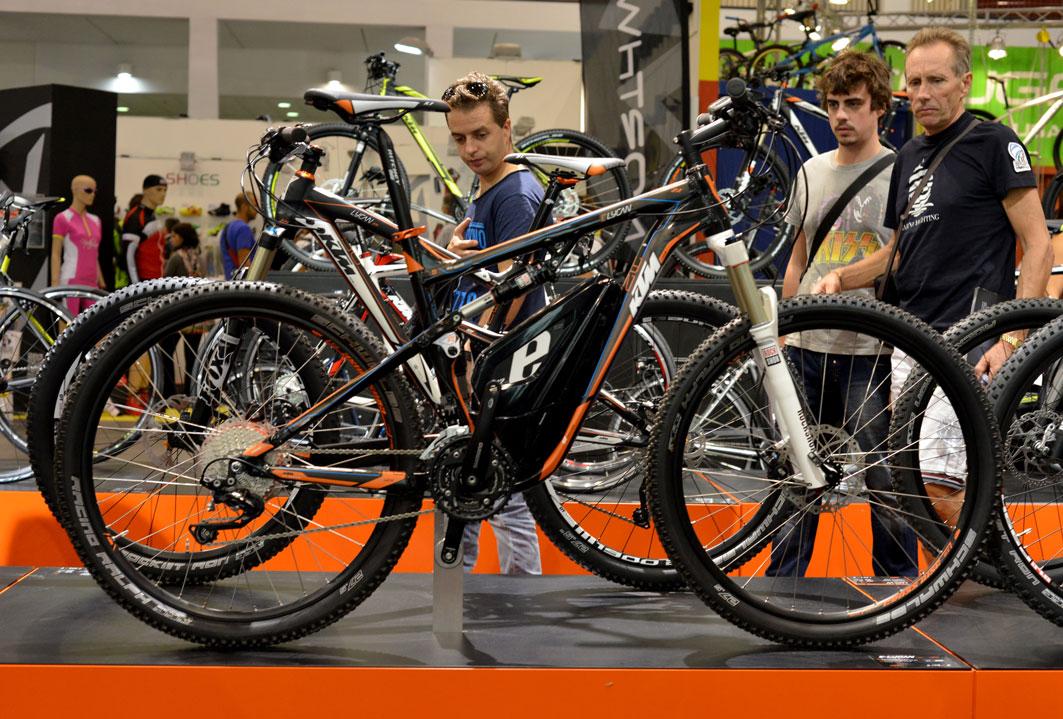 Una foto della mountain bike elettrica Macina E-Lykan KTM